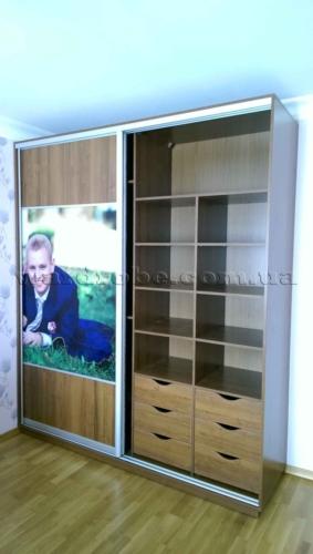 шкаф купе с портретом заказчиков, правая сторона