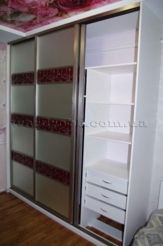 красивый шкаф купе в спальню, правая секция