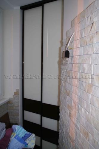 встроенный шкаф купе на балконе
