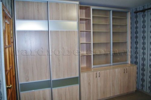 шкаф купе с секцией для книг