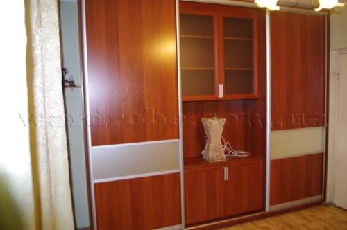узкий шкаф купе для спальни