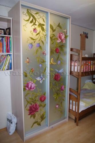 шкаф купе в детскую с художественной росписью